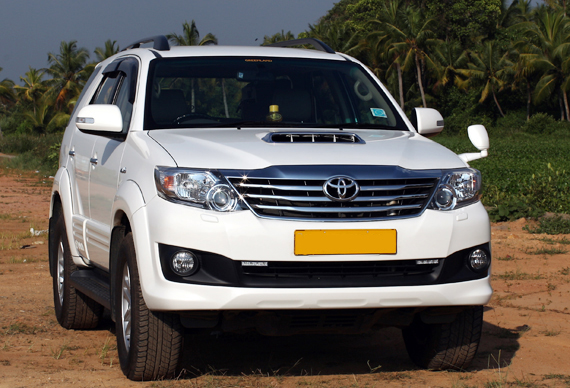 Toyota Fortuner taxi